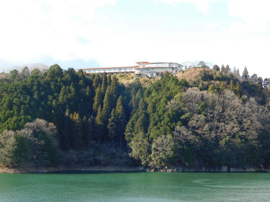 三重県名張市の青蓮寺レークホテル