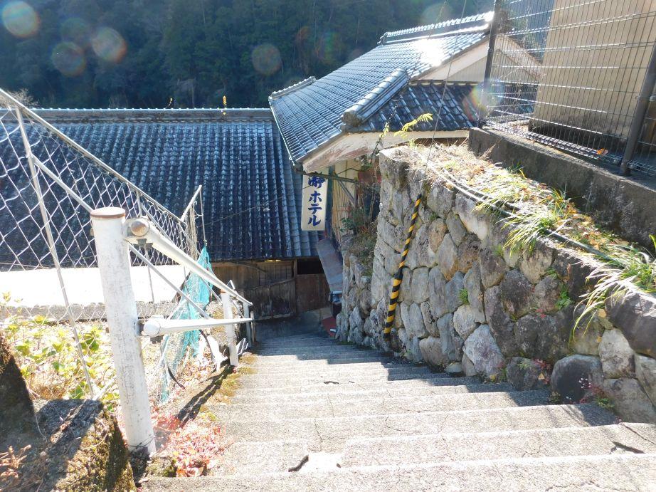 瀞ホテルへ降りていく階段
